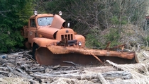 State of Alaska DOT International Harvester mid s R dumptruck with snow plow