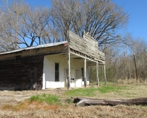 Store on an old spur road that runs from the old Natchez Trace US  in that area to the Natchez State Park campgrounds in Mississippi OC