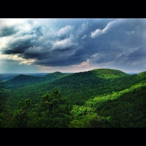 Storm rolling in over the Pinnacles in Berea Kentucky x