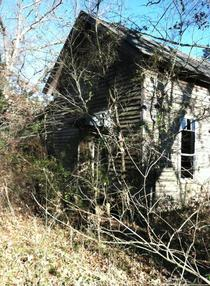 Stumbled upon this abandoned house amp barn in the woods of Dardanelle Arkansas