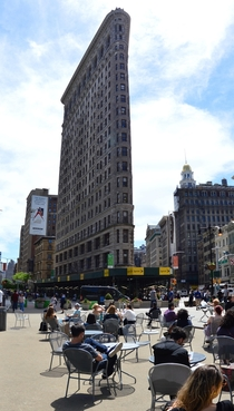 Summer by the Flatiron Building by Frederick Dinkelberg and Frederick Dinkelberg Renaissance Revival style -OC