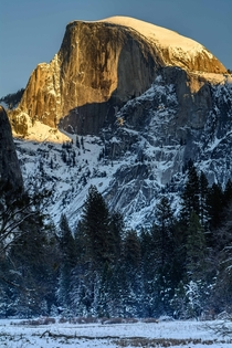 Sunlight kissing the top of Half Dome Yosemite National Park California  OC