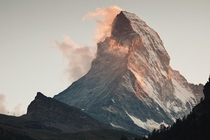 Sunlight setting on Matterhorn in Zermatt Switzerland  x