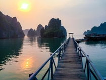 Sunrise - Halong Bay Vietnam