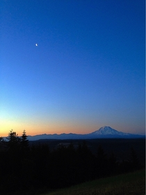 Sunrise over Mt Rainier Puyallup WA