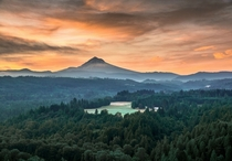 Sunset at Jonsrud Viewpoint Oregon OC