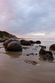Sunset at Moeraki boulders beach South Island NZ x OC