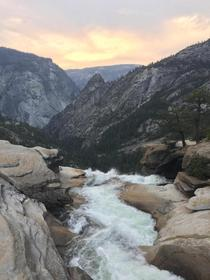 Sunset from Nevada falls in Yosemite National park oc