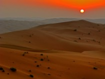 Sunset in Rub al-Khali Empty Quarter desert in Saudi Arabia