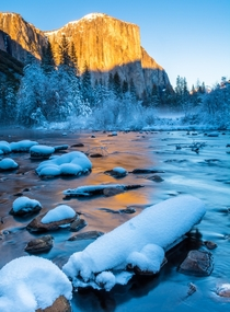 Sunset on El Capitan Yosemite in the winter is magical