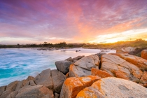 Sunset over the Bay Of Fires on Tasmanias East Coast x OC