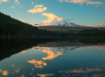Sunset over Trillium Lake OR