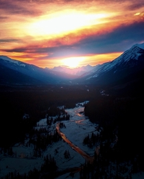 Sunsets from Mount Robson Provincial Park BC Canada  x