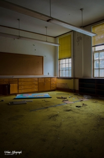 Super moody Abandoned School -