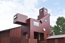 Surely this is the perfect building for this sub Atelier van Leishout -