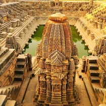 Surya Mandir Modhera Mehsana Gujarat built after - CE during the reign of Bhima I of the Chaulukya dynasty