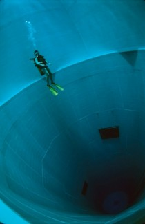 Swimming in the worlds deepest swimming pool