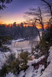 Tahquamenon Falls - A wintry landscape from Northern Michigan