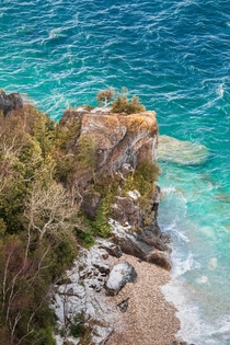 That water may look tropical but is was - Celsius when I shot this Lions Head Provincial Park Canada  Social mikemarkov