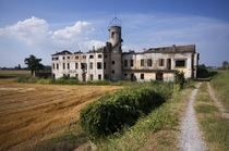 The abandoned villa near Padova
