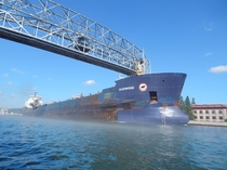 The Algowood passing below the Aerial Lift Bridge in Duluth MN