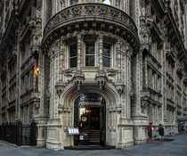 The Alwyn Court was built between  and  and was designed by Harde amp Short in the French Renaissance style It is designated as a New York City landmark
