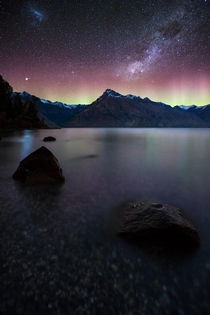 The Aurora Australis captured over the weekend in Queenstown New Zealand OC x williampatino_photography
