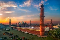 The Badshahi Mosque Lahore  x-post rExplorePakistan