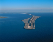 The bridge between Denmark and Sweden dips into a tunnel