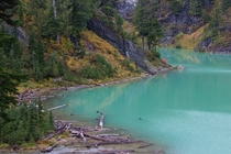The color of glacier-fed Blanca Lake WA is absolutely insane