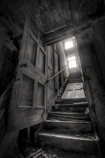 The crumbling stairway at GT Manor Oxford  UK -