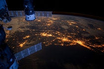 The eastern coast of the United States at night Large metropolitan areas and other easily recognizable sites from the VirginiaMarylandWashington DC area spanning almost to Rhode Island are visible in the scene
