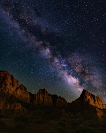 The galactic core over The Watchmen at Zion Utah