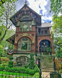 The Hermann Weinhardt House - Chicago Illinois USA - Victorian and Bavarian Gingerbread home designed by architect William Ohlhaber in