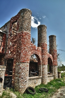 The Ice Cream Castle still stands despite fires and tornadoes in Birmingham Alabama By Naaman Fletcher