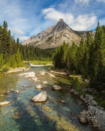 The impact of cold clear water and mountain peaks is not to be underestimated Alberta Canada ignatureprofessor