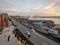 The last evening of traffic on Seattles Viaduct before it is closed and torn down