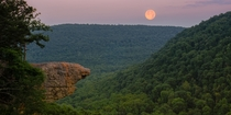 The last sunset of Spring featured a full moon I spent it at Hawksbill Crag in the Ozarks