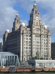 The Liver Building Liverpool OC