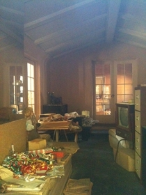 The Los Feliz Murder Mansion in LA has been abandoned for more than  years On Dec   Dr Harold Perelson bludgeoned his wife to death with a bin-pin hammer The interior is a time capsule from the night of the tragedy It was Christmas at the time  story in c