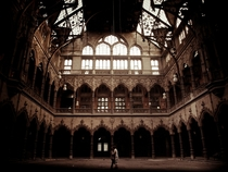 The main floor of the empty Chambre du Commerce Antwerpen