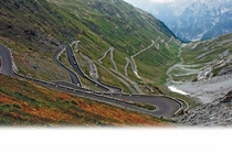 The many hairpin curves of Stelvio Pass
