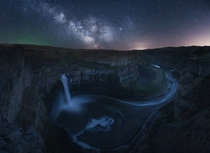 The Milky Way rises over Palouse Falls in Washington Palouse falls drops ft into this deep canyon
