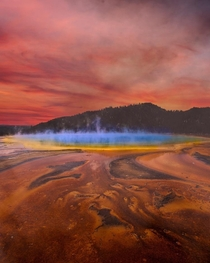 The most beautiful hot spring in the world Grand Prismatic Yellowstone National Park Wyoming USA
