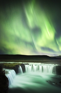 The most stunning display of Northern Lights Ive ever seen Goafoss Iceland