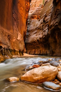 The Narrows Zion National Park Utah The Virgin River has cut out this amazing canyon over millions of years   x  px