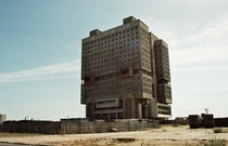 The never-finished Brutalist concrete robot that replaced a gorgeous castle Kaliningrad