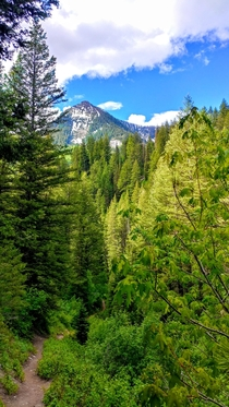 The outstanding views and colors of Little Cottonwood Canyon Sandy Utah