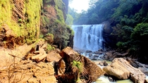 The queen of waterfalls in Karnataka India called as Sathodi falls has mesmerizing view   x