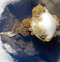 The Sarychev Volcano eruption in Russia captured by the ISS